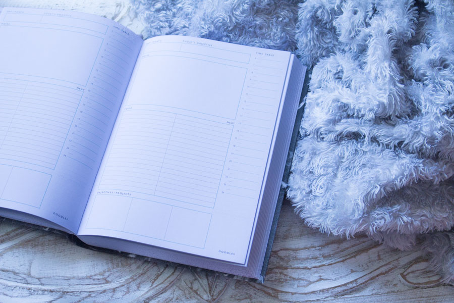 Let-It-Glow-Blog-Agenda-Daily-Journal-Planner-Marbre-Noir-Urban-Outfitters--5