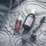 Mon avis sur les produits : Roseship BioRegenerate Oil de Pai, Brush-on Cream Liner de Clinique, Radiant Creamy Concealer de NARS, Élastiques d'Invisibobble et Hair Repair de SachaJuan...
